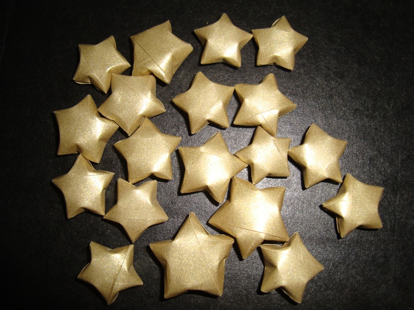 The stars shine down how to make 3d paper stars for Make a 3d star