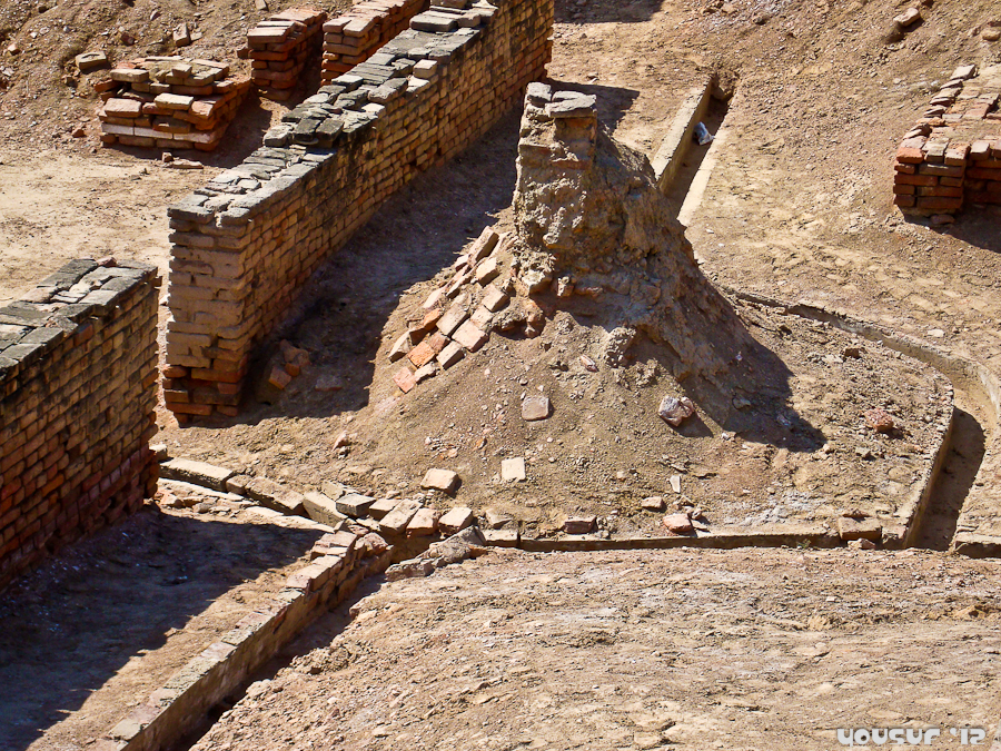 essay drainage system harappan civilization The civilization of the indus river at mohenjo-daro and harappa arose at about   the cities had not only brick-lined streets but also a brick-lined sewer system.