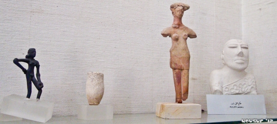 Clay and bronze figurines