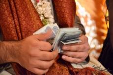 The groom - 20,000 PKR lighter
