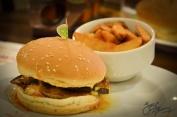 Aubergine-Chicken Burger